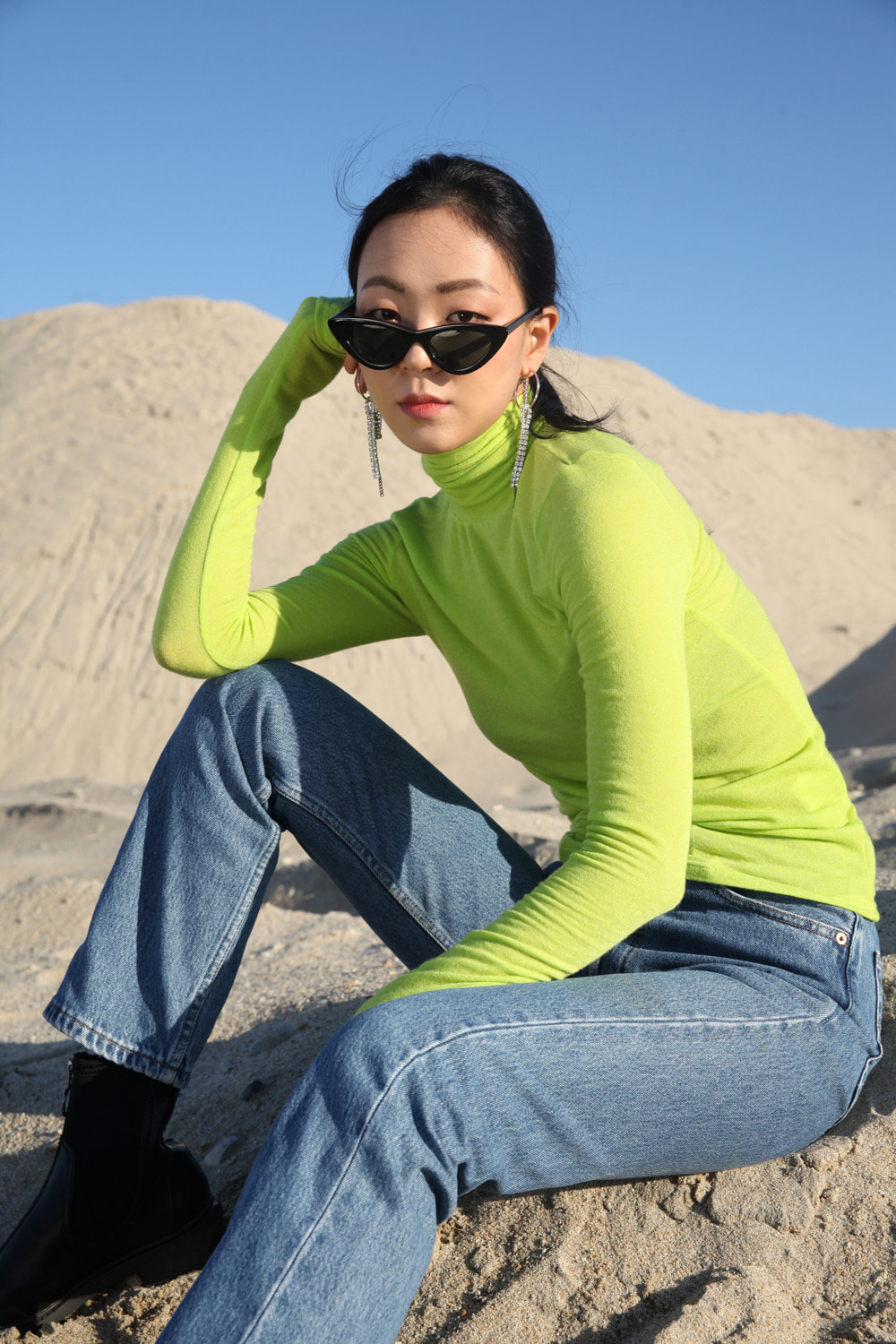 Wool blended long sleeve turtle neck t-shirt: Apple green
