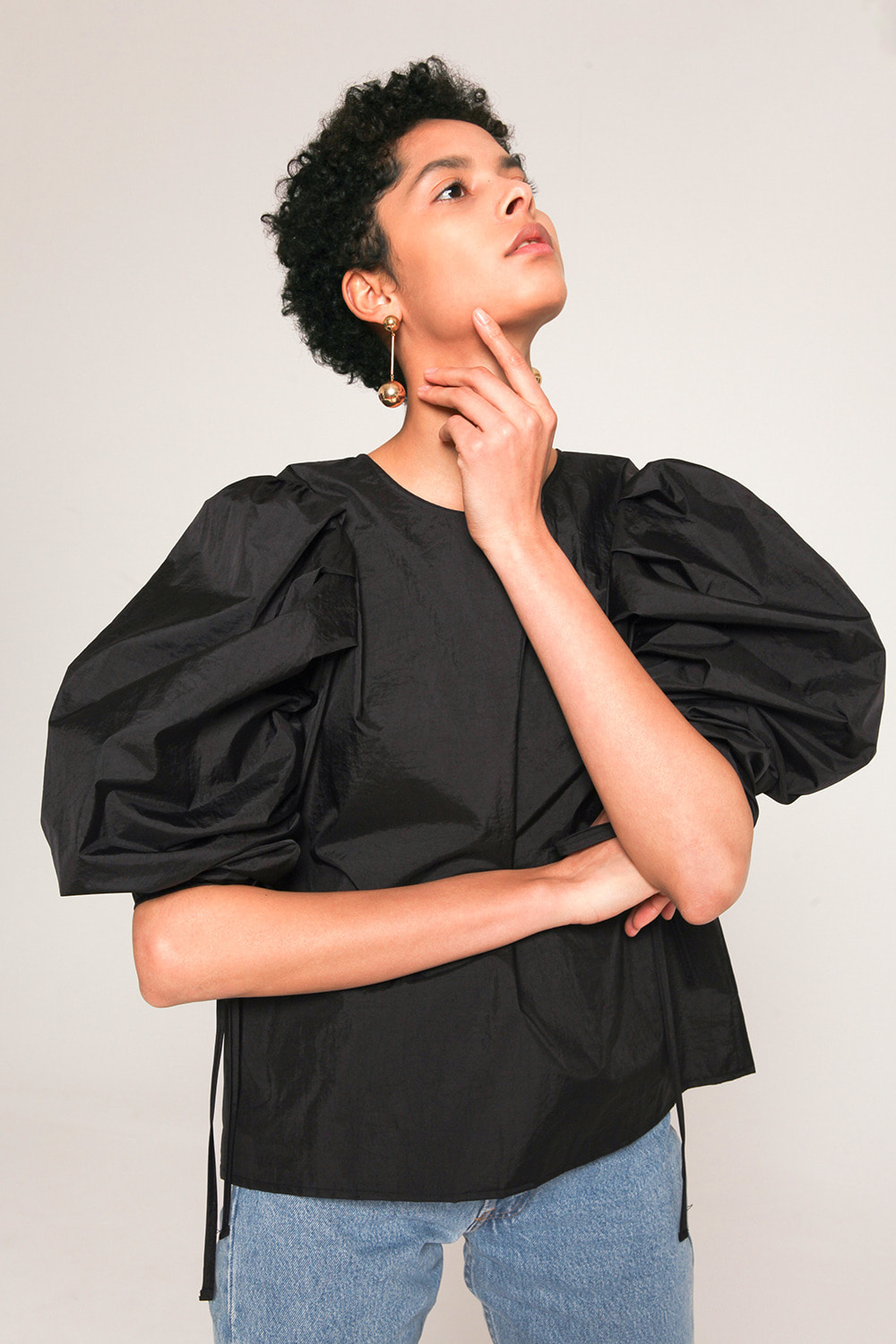 volume sleeves with drawstring technical shell blouse in Black