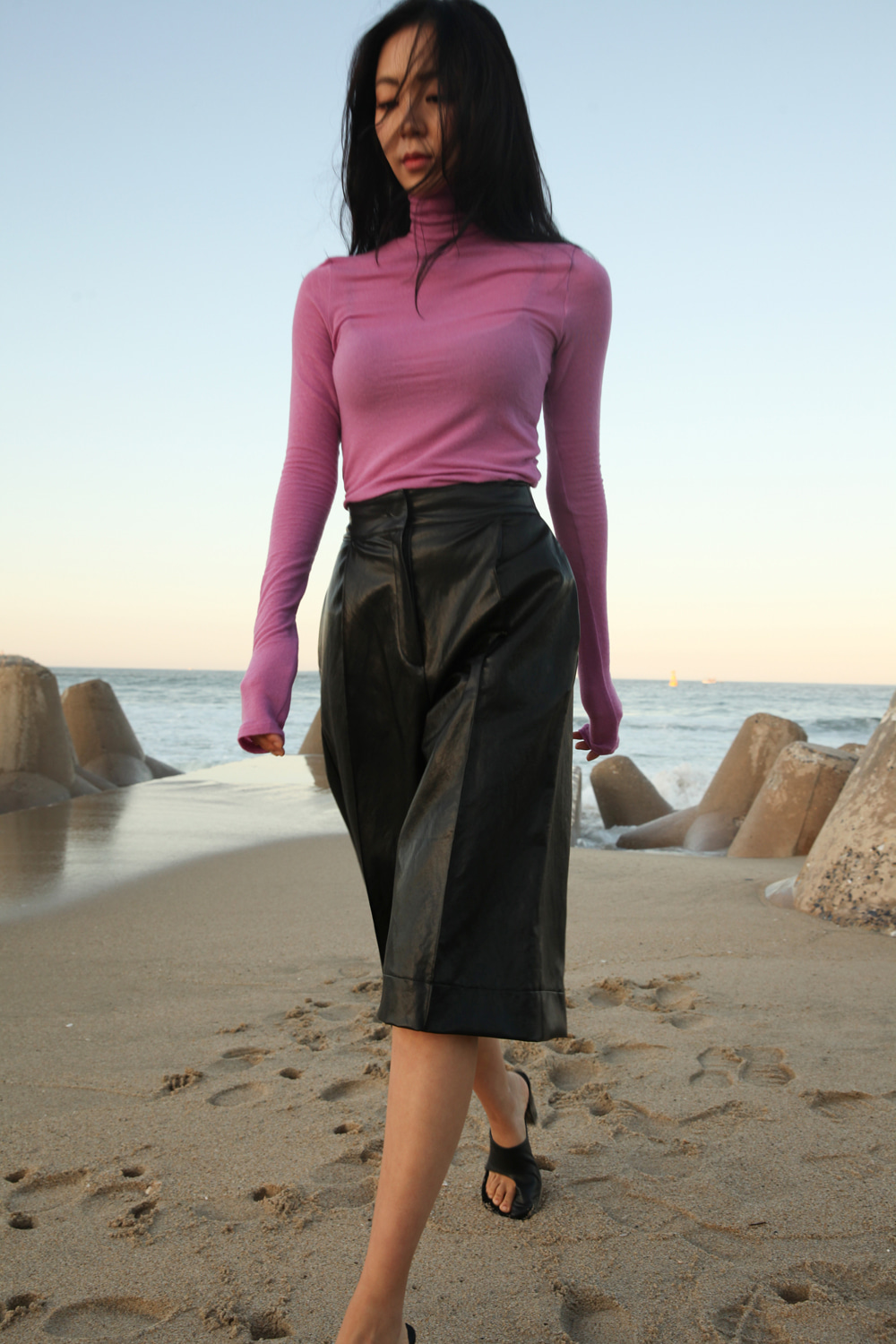 Wool blended long sleeve turtle neck t-shirt: Cool pink violet