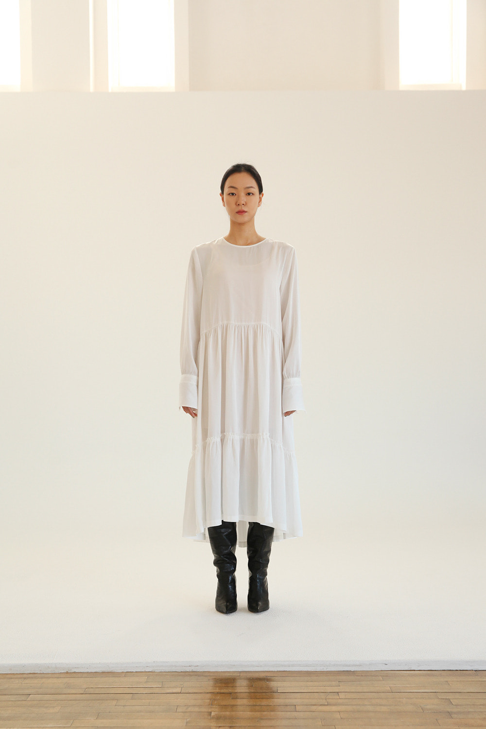 raw edge tiered silky long dress in white