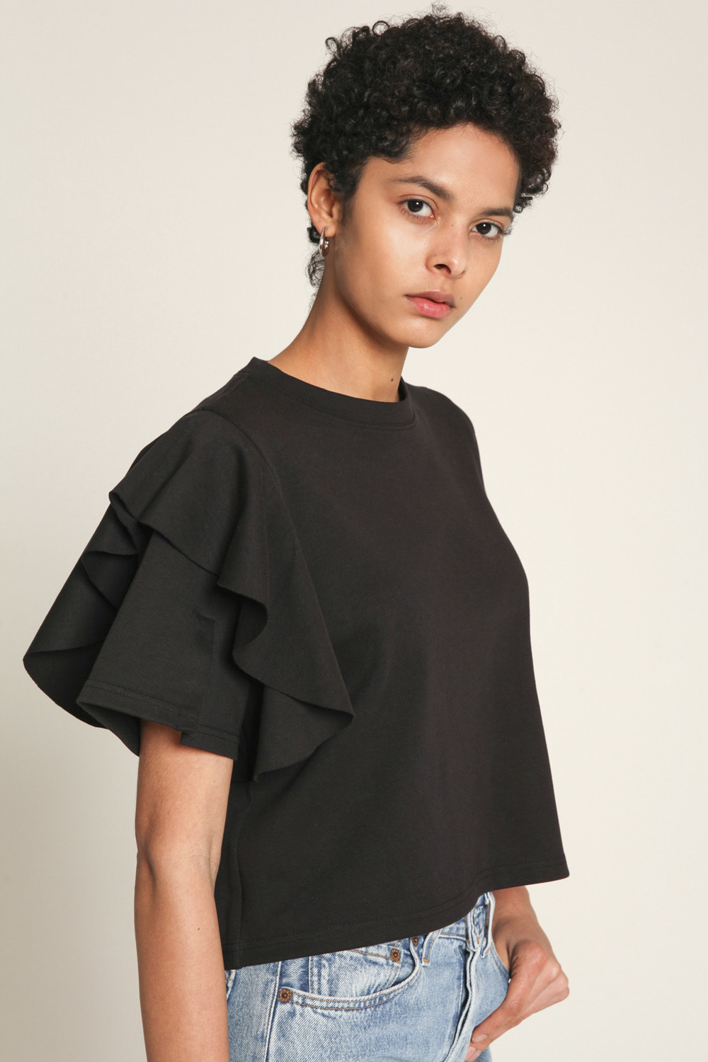 Frill pointed slit sleeves T-shirt