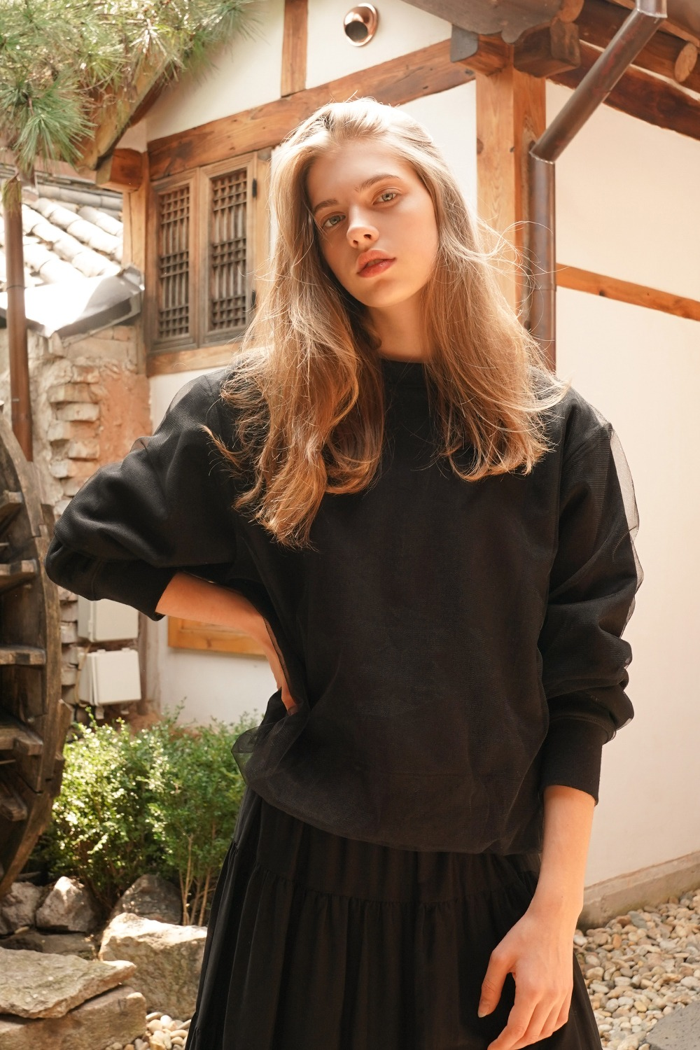 Layered tulle sweat t-shirt in black